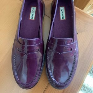 Hunter rubber penny loafers. Never worn Purple.